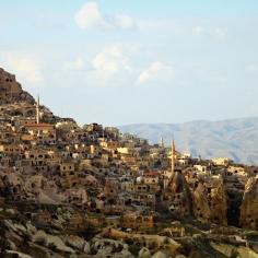 istana-batu-uchisar-cappadocia-wisata-tour-ke-istana-batu-cappadocia-turki