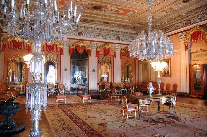 istana dolmabahce tour ke dalam istana dolmabahce turki.jpg