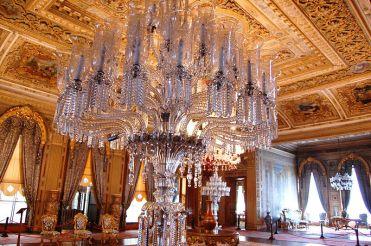 istana-dolmabahce-wisata-tour-ke-dalam-istana-megah-dolmabahce-turki