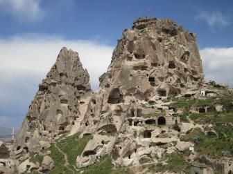 istana-uchisar-cappadocia-wisata-tour-ke-istana-batu-uchisar-cappadocia-turki