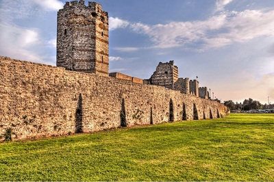 tembok istanbul tour ke tembok istanbul turki