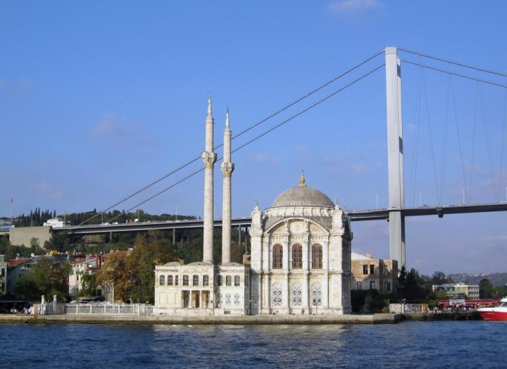 menikmati paket wisata cruise istanbul turki