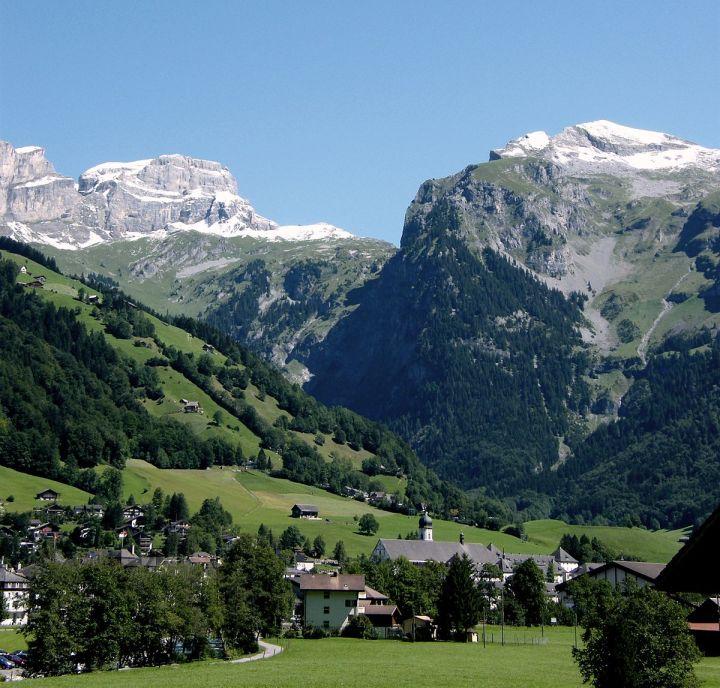Paket Tour ke Eropa Wisata ke Eropa Engelberg
