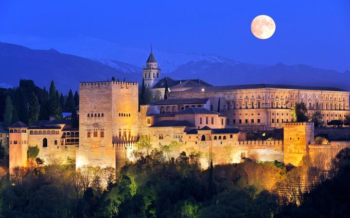 paket tour ke eropa wisata ke eropa mengunjungi istana alhambra granada andalusia spanyol 1