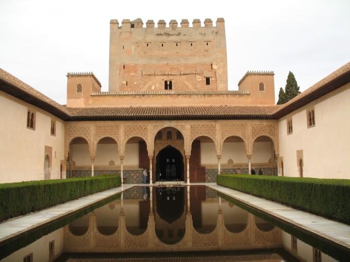 paket tour ke eropa wisata ke eropa mengunjungi istana alhambra granada andalusia spanyol 2