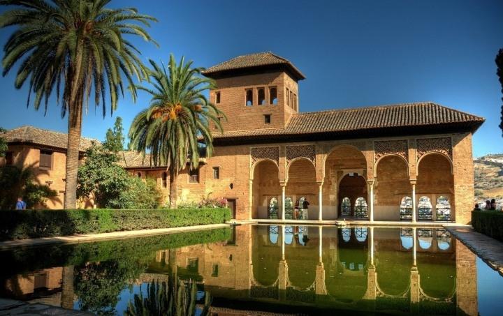 paket tour ke eropa wisata ke eropa mengunjungi istana alhambra granada andalusia spanyol 3