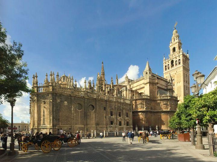 paket tour ke eropa wisata ke eropa mengunjungi seville cathedral di spanyol 1