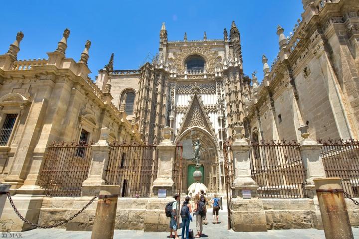 paket tour ke eropa wisata ke eropa mengunjungi seville cathedral di spanyol 3